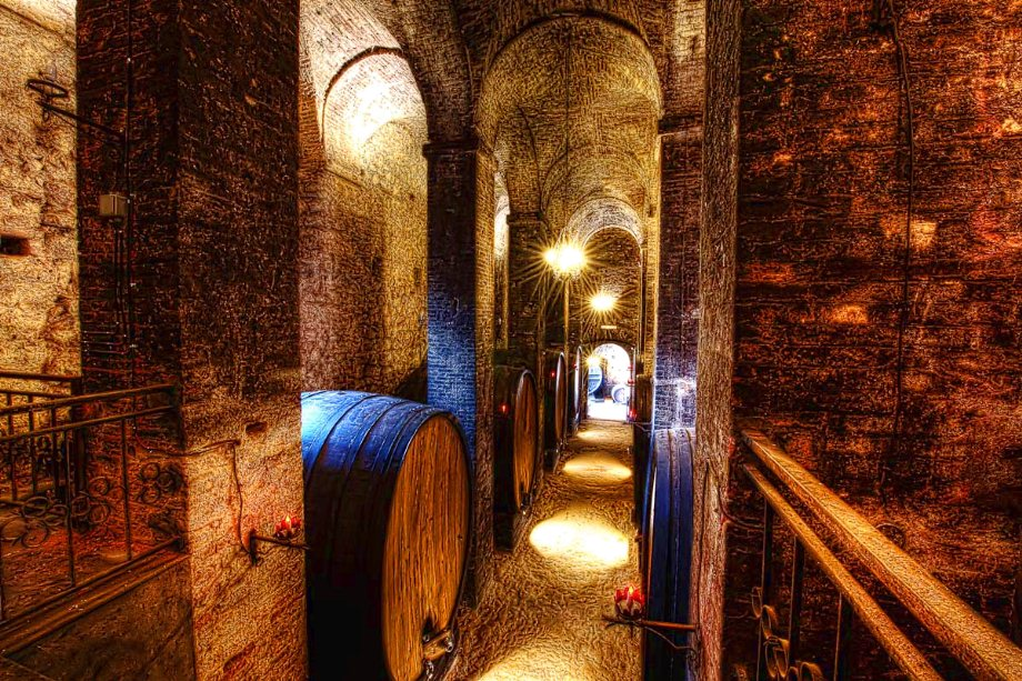 de Ricci historical wine cellar in Montepulciano