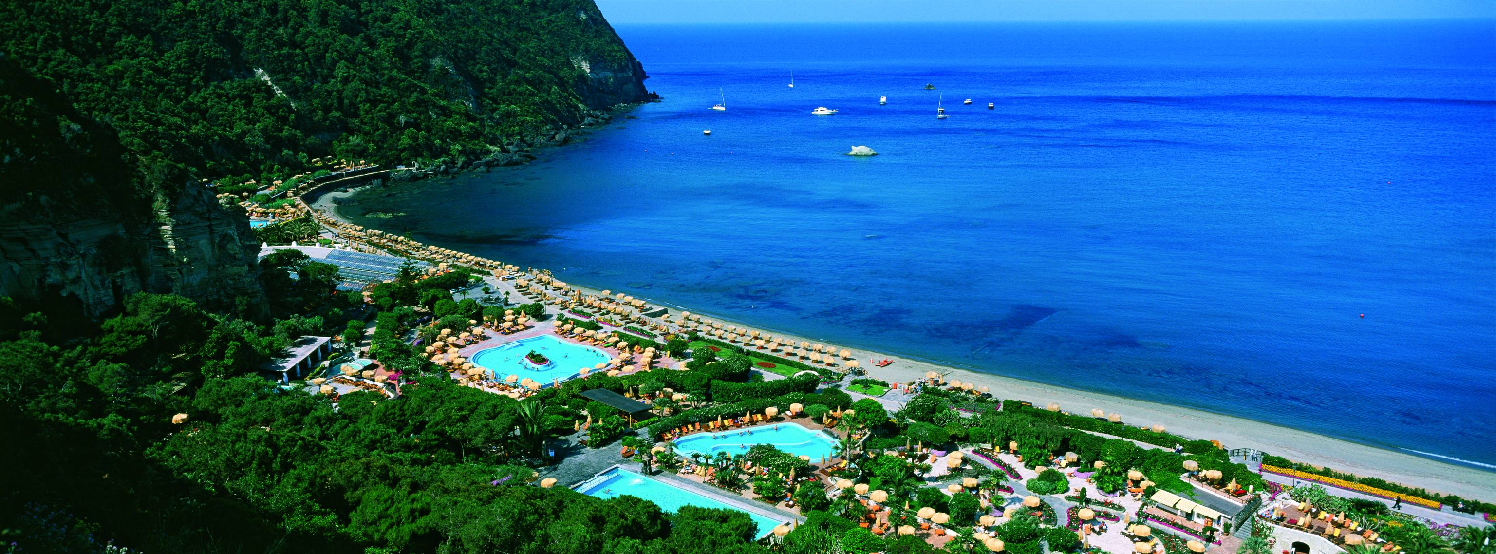 Best thermal baths in italy for relaxing holidays for Immagini di piccoli giardini