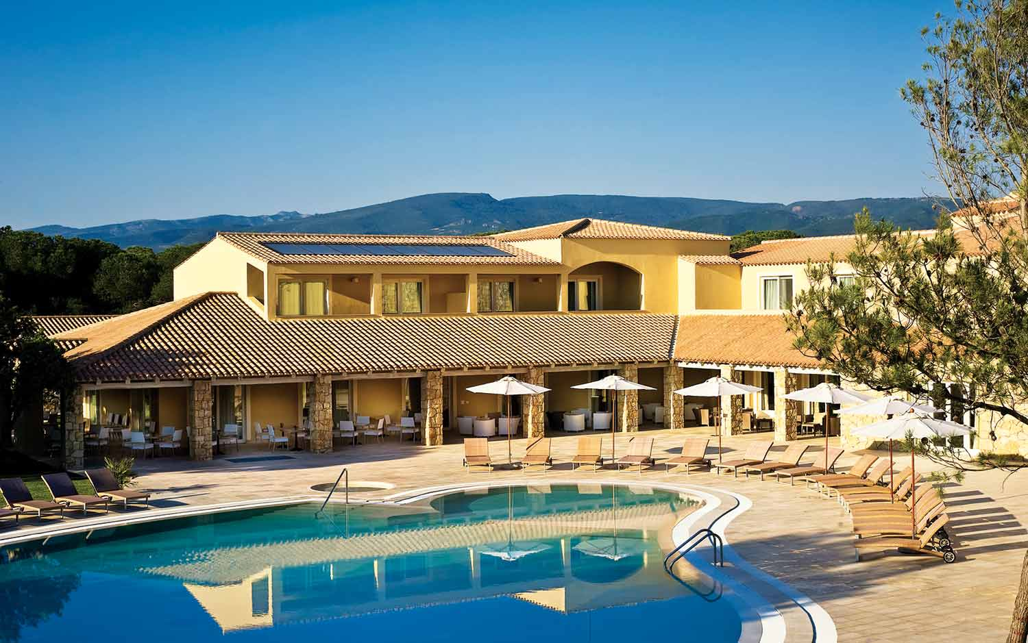 Golf hotel is arenas resort sardegna mare hotel lusso spa for Luxury hotel 5 stelle
